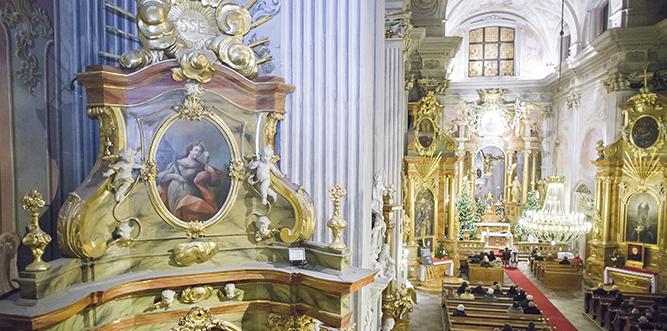 Ciekawe widoki z górnych części kościołów