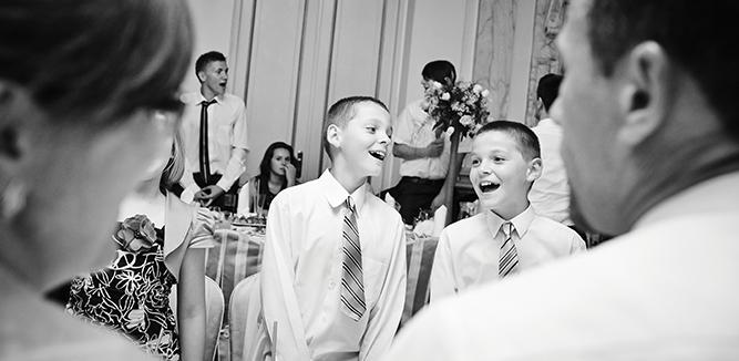 Dzieci podczas reportaży ślubnych